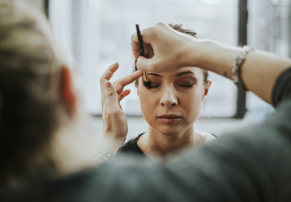 Como ganhar dinheiro com maquiagem?