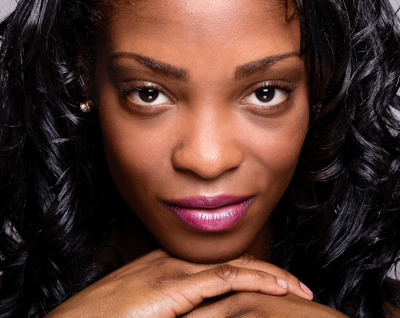 Descubra mais sobre opções de curso online de maquiagem para pele negra