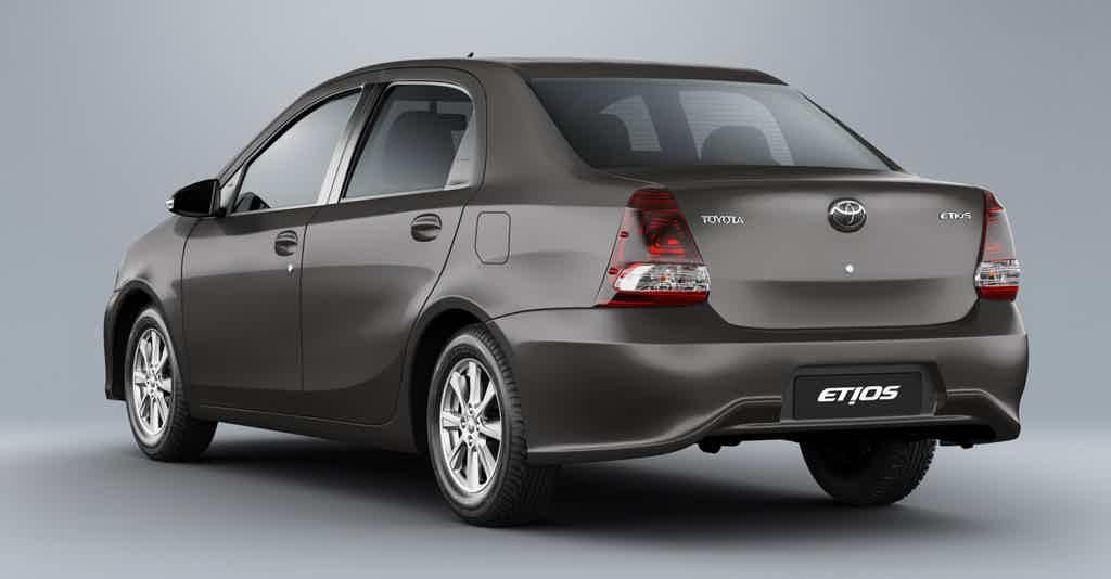 Toyota Etios Sedan X Plus 1.5