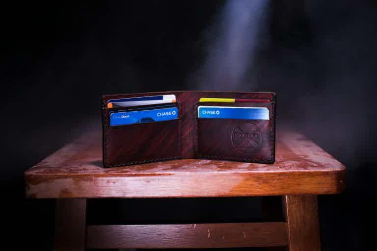 Como funcionam os cartões de crédito?