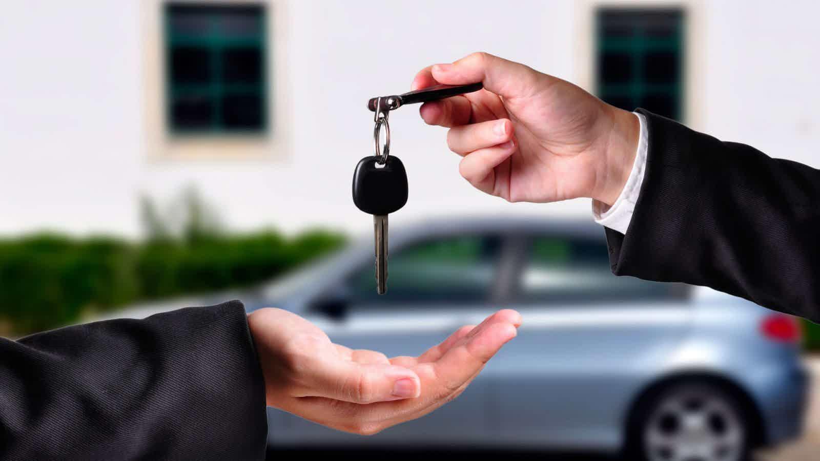 Empréstimo com garantia de veículo alienado