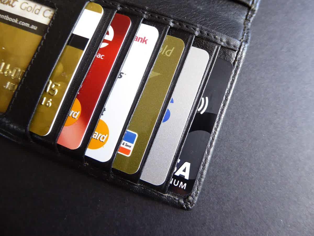 veja como utilizar o cartão de crédito sem torná-lo seu inimigo