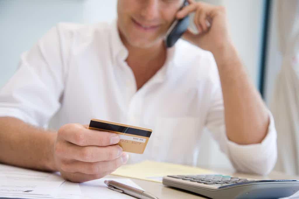7 dicas de como resolver uma dívida de cartão de crédito