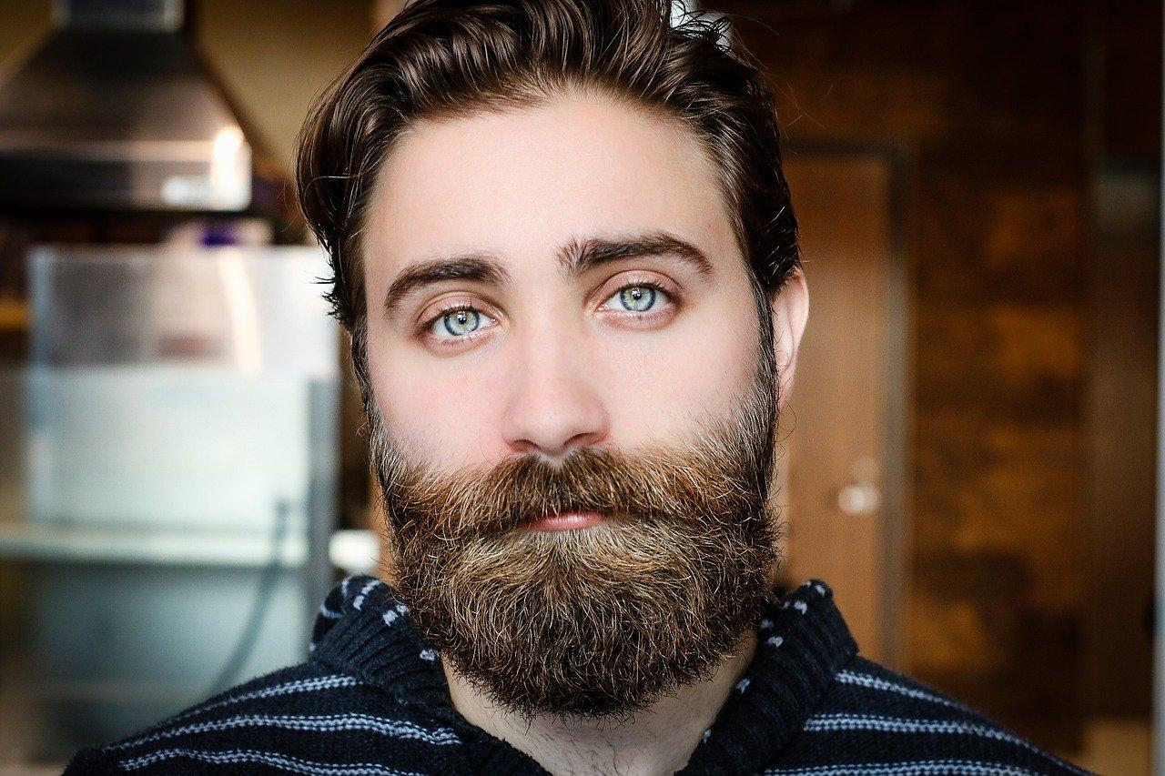 Descubra as técnicas para fazer design de sobrancelha masculina