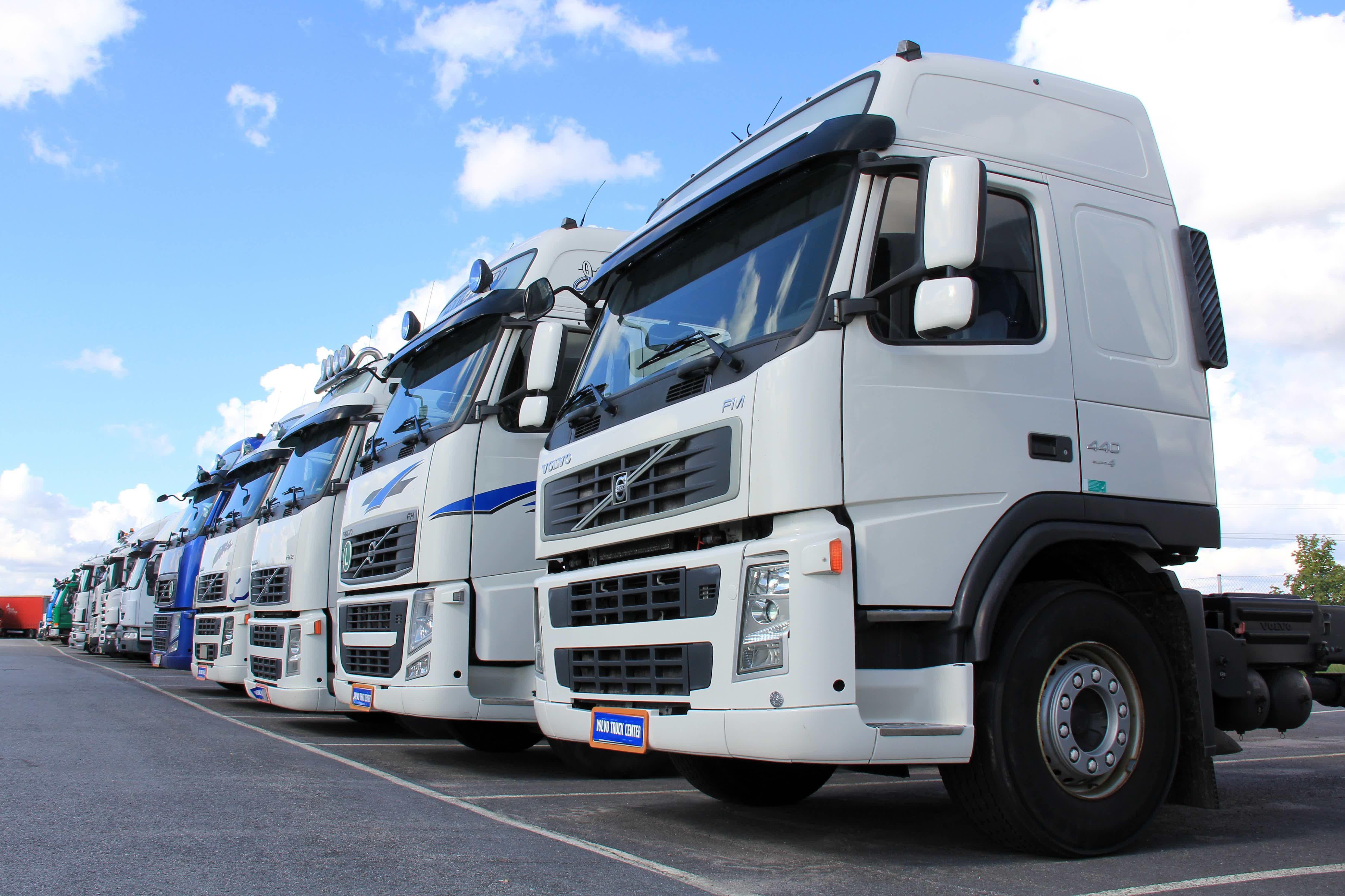 O que é um leilão de caminhões?