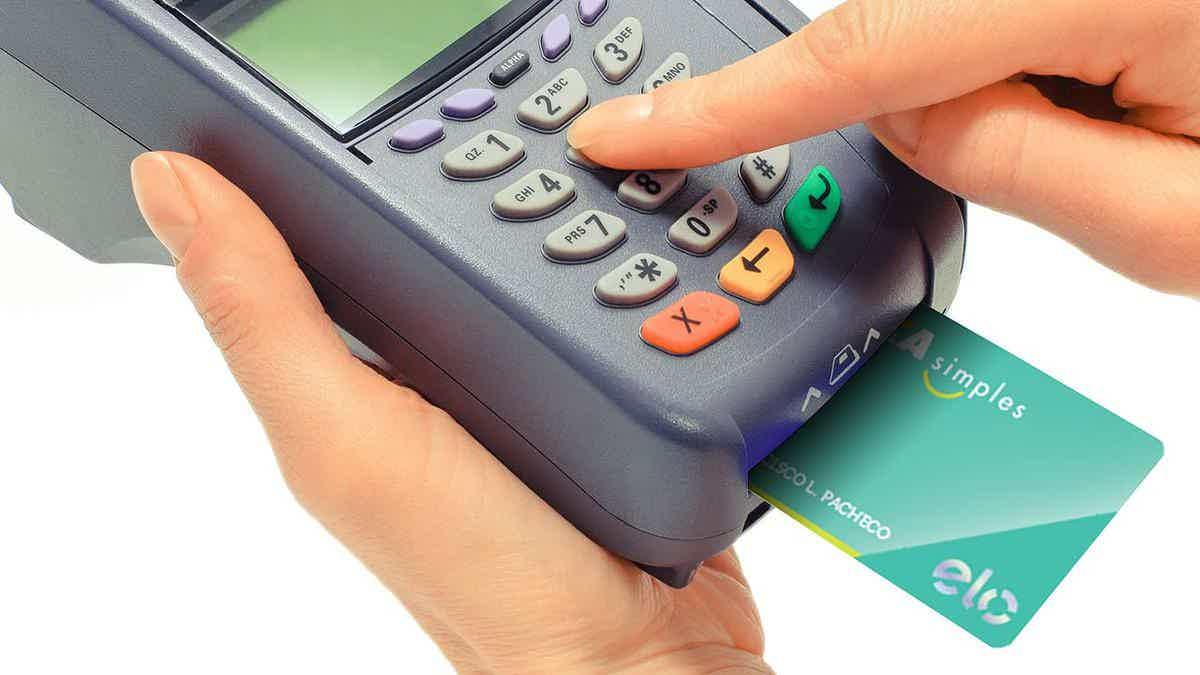 É possível fazer compras no débito e crédito com seu novo cartão.