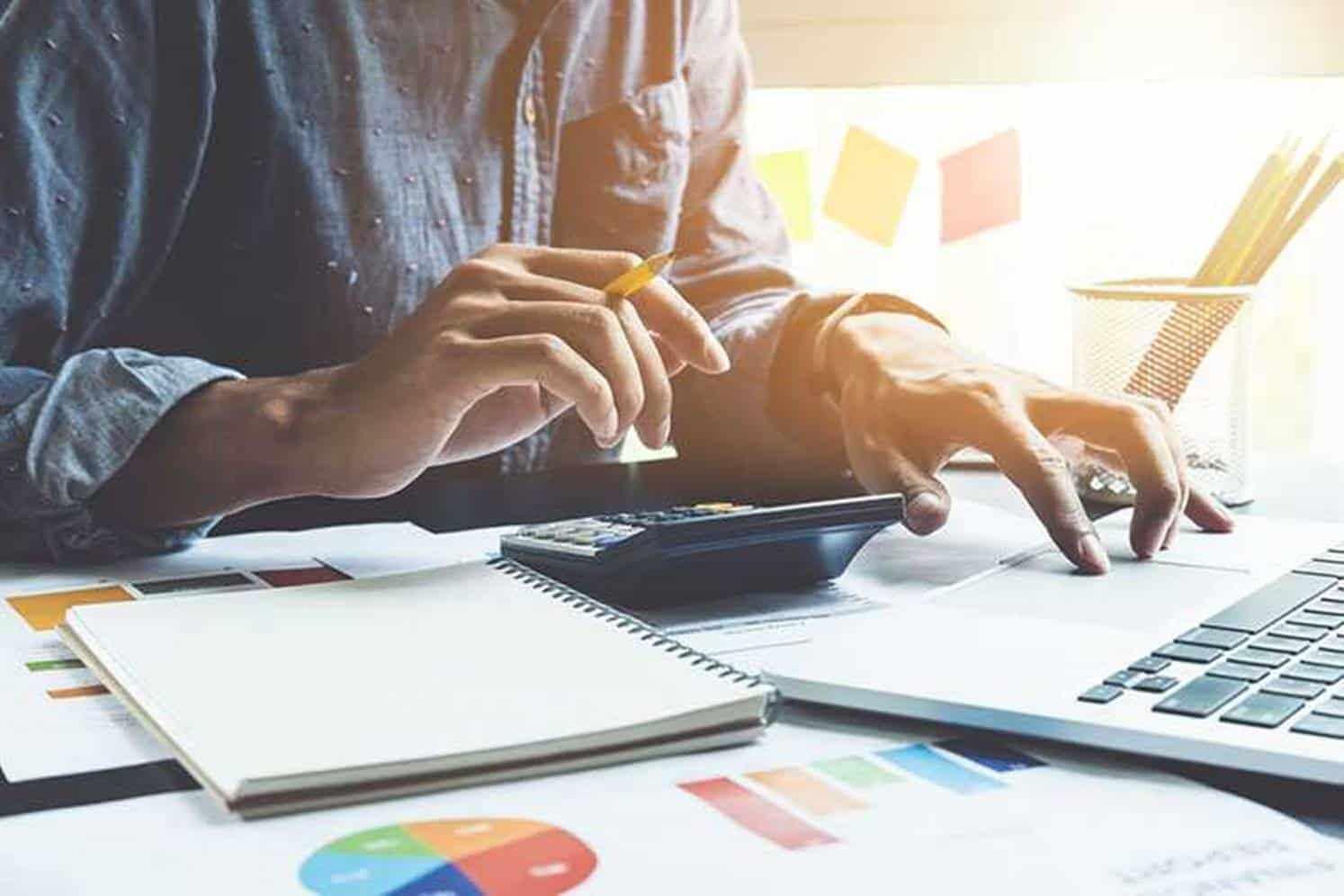 Analise sua finanças pessoais